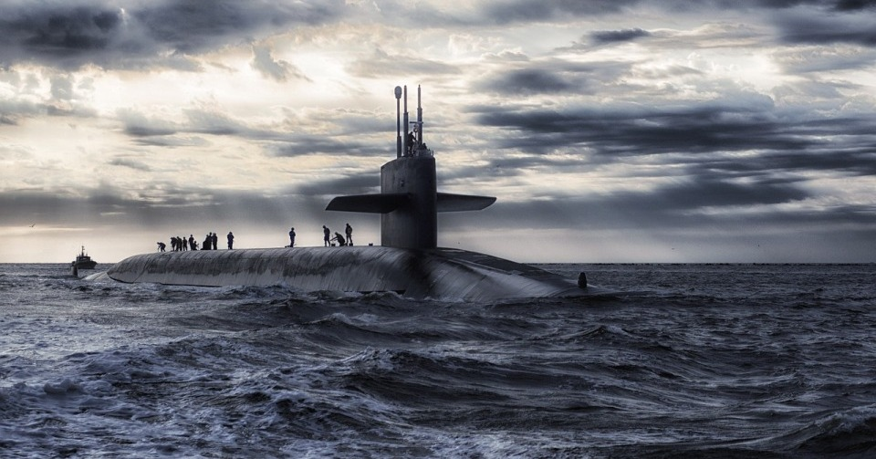 どのように潜水艦を撃沈するのか...